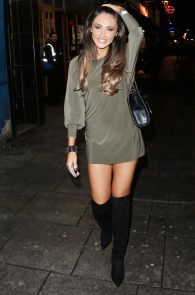 megan-mckenna-ass-flash-upskirt-in-london-01