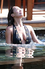 mylene-klass-wearing-a-swimsuit-in-thailand-06