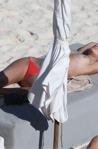 toni-garrn-topless-tulum-beach-in-mexico-04