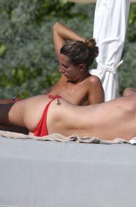 toni-garrn-topless-tulum-beach-in-mexico-07