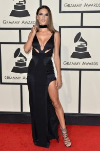 alessandra-ambrosio-cleavage-at-58th-grammy-awards-02