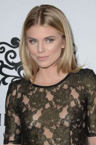 annalynne-mccord-nipple-slip-at-galerie-montaigne-opening-01