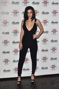 charli-xcx-cleavage-at-2016-nme-awards-in-london-08