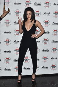 charli-xcx-cleavage-at-2016-nme-awards-in-london-09