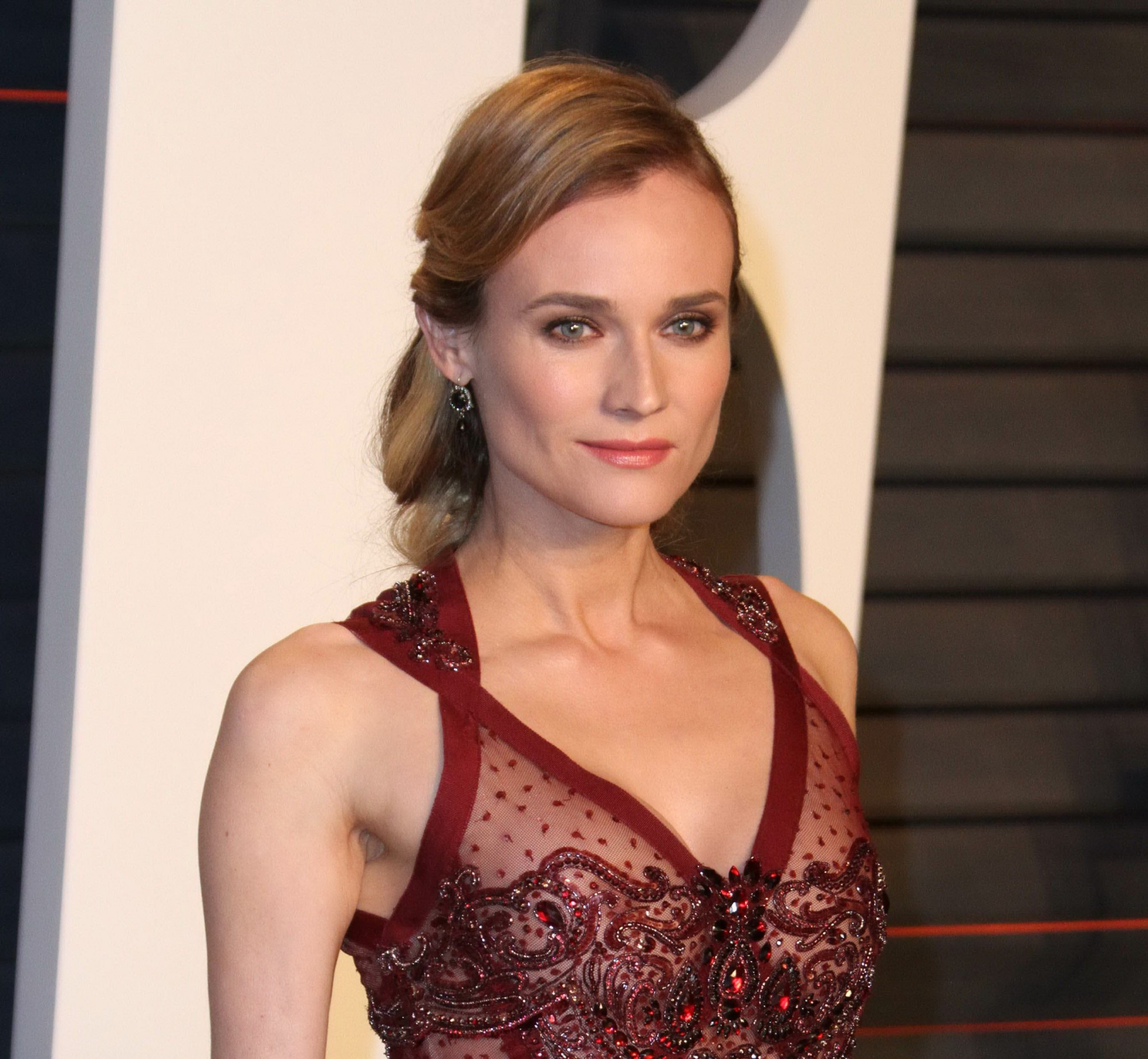 diane-kruger-see-through-dress-vanity-fair-oscar-party-07