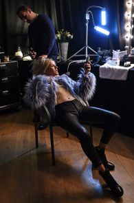 ellie-goulding-cameltoe-behind-the-scenes-photoshoot-06
