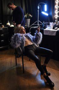 ellie-goulding-cameltoe-behind-the-scenes-photoshoot-06