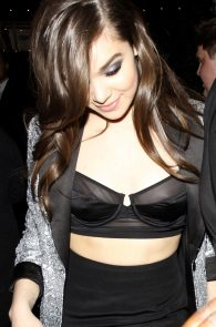 hailee-steinfeld-nip-slip-at-grammy-after-party-05