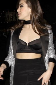 hailee-steinfeld-nip-slip-at-grammy-after-party-10