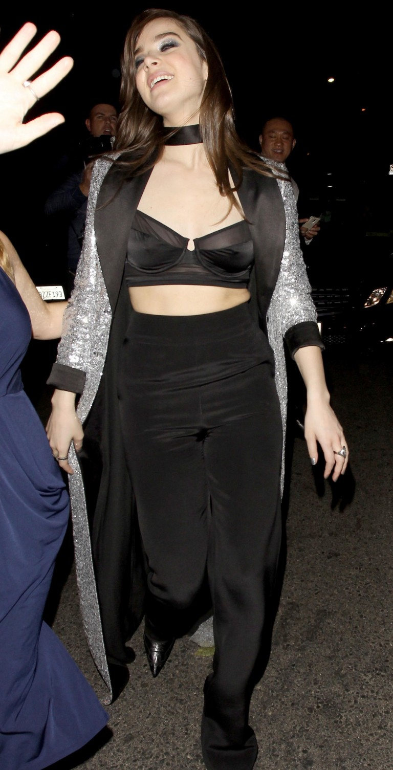 Hailee-Steinfeld-Nip-Slip-At-Grammy-After-Party-11 -7687