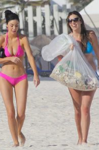 jayde-nicole-camel-toe-in-pink-bikini-cancun-02