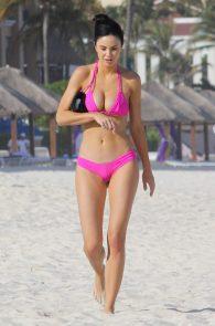 jayde-nicole-camel-toe-in-pink-bikini-cancun-10