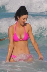 jayde-nicole-camel-toe-in-pink-bikini-cancun-13