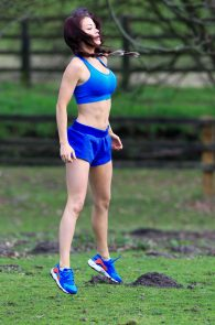 jess-impiazzi-nipple-pokes-while-working-out-05
