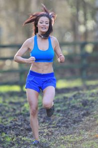 jess-impiazzi-nipple-pokes-while-working-out-08