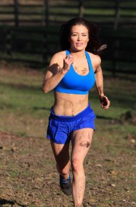 jess-impiazzi-nipple-pokes-while-working-out-12