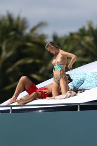 joanna-krupa-topless-on-a-yacht-in-miami-09