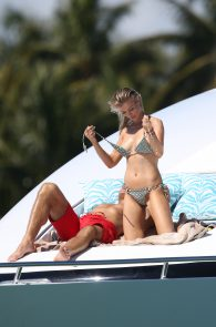 joanna-krupa-topless-on-a-yacht-in-miami-11