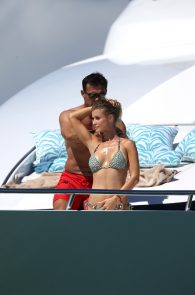 joanna-krupa-topless-on-a-yacht-in-miami-14