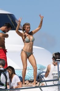 joanna-krupa-topless-on-a-yacht-in-miami-15