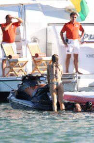 joanna-krupa-topless-on-a-yacht-in-miami-19