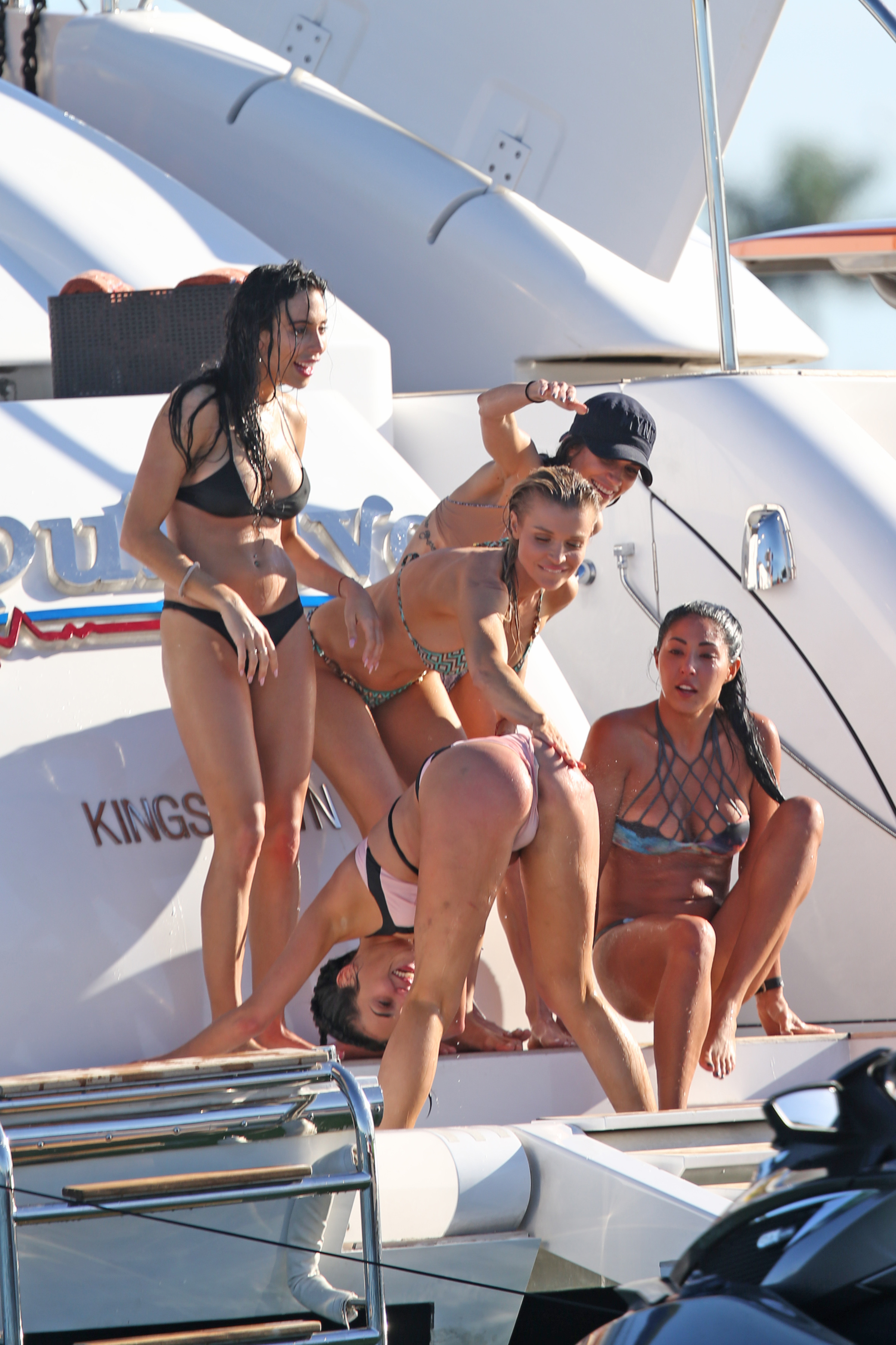 nude (99 photo), Topless Celebrites pic
