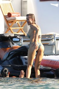 joanna-krupa-topless-on-a-yacht-in-miami-33