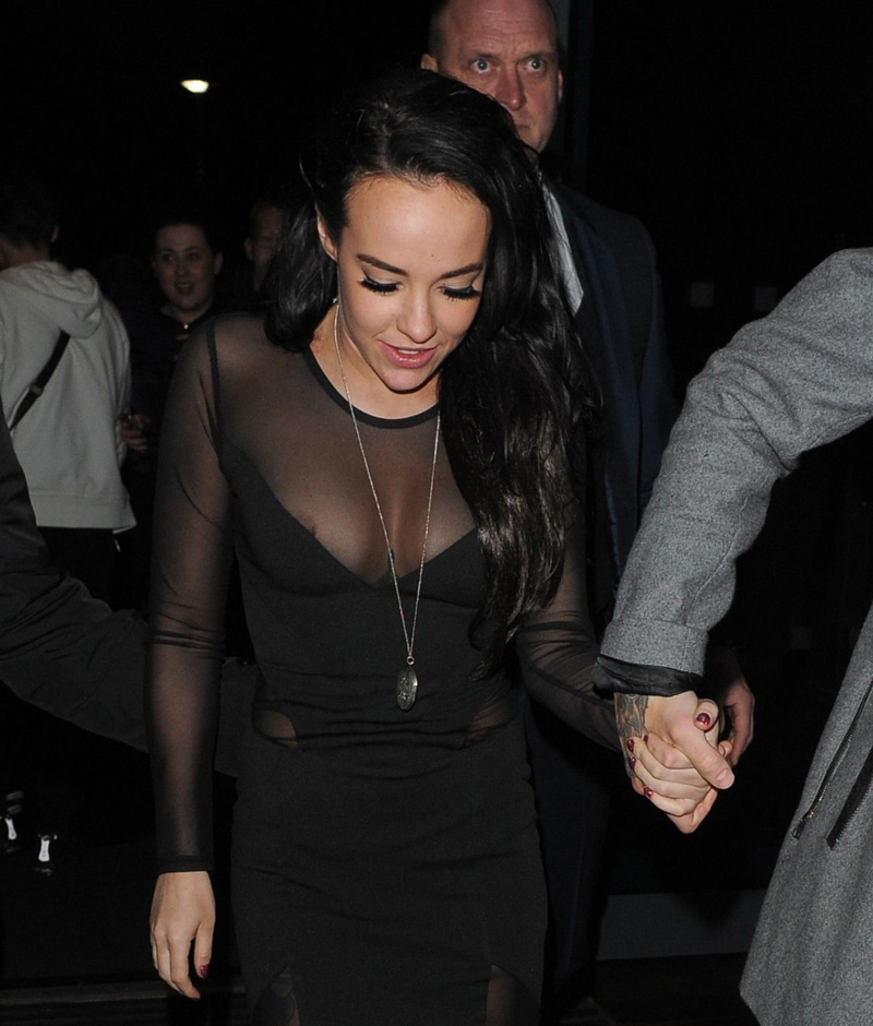 stephanie-davis-nipple-slip-while-out-in-town-03