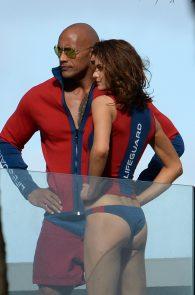 alexandra-daddario-bikini-bottom-on-the-set-of-baywatch-miami-03