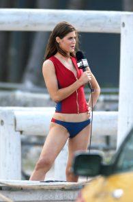 alexandra-daddario-bikini-bottom-on-the-set-of-baywatch-miami-07