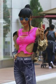 bai-ling-braless-nipple-pokes-while-shopping-02