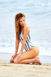 bella-thorne-one-piece-bikini-photo-shoot-in-malibu-04