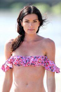 courtney-robertson-wearing-a-bikini-in-malibu-17