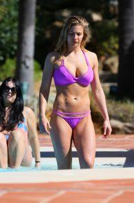 gemma-atkinson-bikini-pokies-in-marbella-01