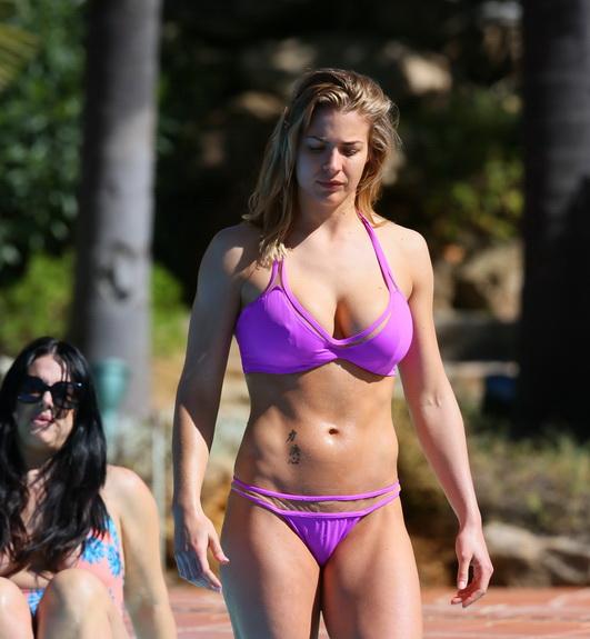 gemma-atkinson-bikini-pokies-in-marbella-home