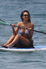 jessica-alba-wearing-a-bikini-on-a-beach-in-hawaii-213