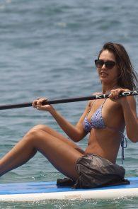jessica-alba-wearing-a-bikini-on-a-beach-in-hawaii-215