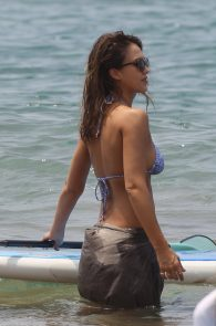 jessica-alba-wearing-a-bikini-on-a-beach-in-hawaii-224