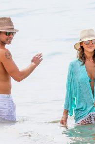 jessica-alba-wearing-a-blue-bikini-in-hawaii-03