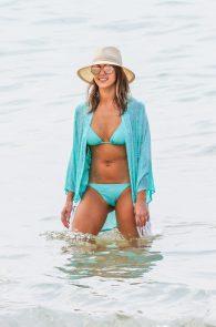 jessica-alba-wearing-a-blue-bikini-in-hawaii-06