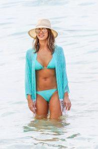 jessica-alba-wearing-a-blue-bikini-in-hawaii-09