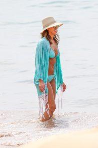 jessica-alba-wearing-a-blue-bikini-in-hawaii-21