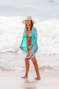 jessica-alba-wearing-a-blue-bikini-in-hawaii-23
