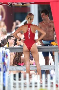 kelly-rohrbach-red-swimsuit-on-set-of-baywatch-10