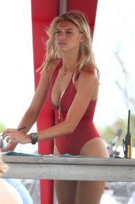 kelly-rohrbach-red-swimsuit-on-set-of-baywatch-12