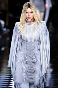 kendall-jenner-see-through-top-at-balmain-show-04