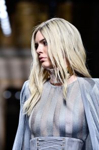 kendall-jenner-see-through-top-at-balmain-show-07