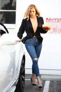 khloe-kardashian-pokies-leaving-a-studio-in-van-nuys-12