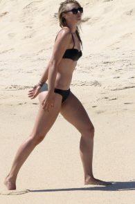 maria-sharapova-wearing-a-bikini-in-los-cabos-23