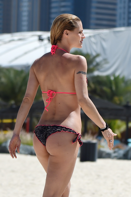 Michelle hunzinger nackt
